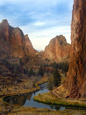 Smith Rock State Park by Balbino Rocha Creative Commons 2