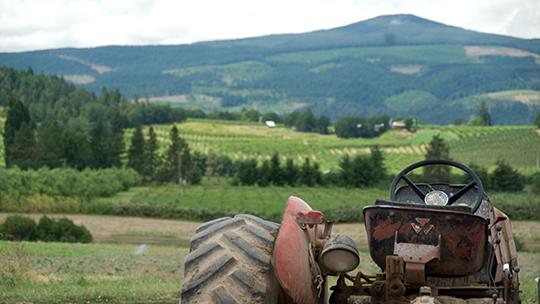 Hood River Tractor